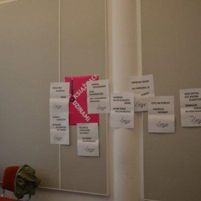 """Warsztaty """"Kreatywne pisanie z Loesje"""" w Wojewódzkiej i Miejskiej Bibliotece Publicznej im. Zbigniewa Herberta w Gorzowie Wielkopolskim"""