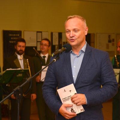 Wystawa fotografii i pamiątek po Włodzimierzu Korsaku