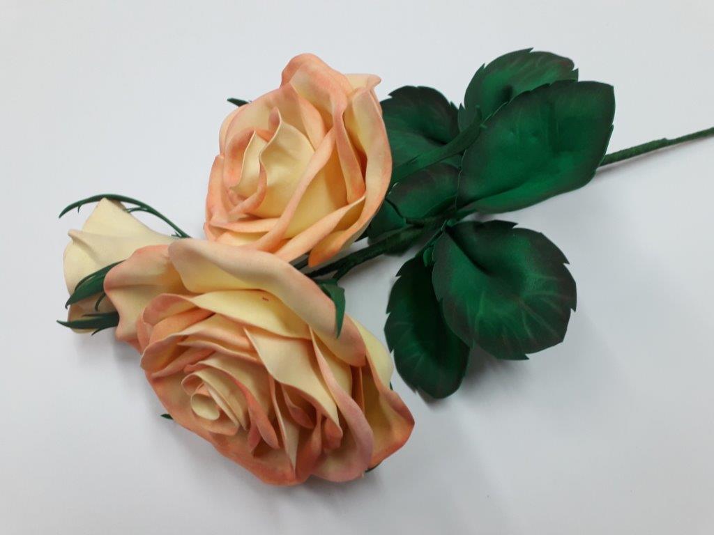 Kwiaty z foamiranu