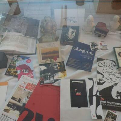 Wystawa miniaturowych instrumentów muzycznych z kolekcji Wandy Milewskiej