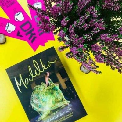 """25 października 2018r. w Filii nr 1 odbyło się kolejne spotkanie Dyskusyjnego Klubu Książki dla młodzieży, którego tematem była powieść Zuzanny Bijoch pt. """"Modelka"""". Autorka pisze, że nie jest to jej historia, lecz wszystko, co znajduje się w tej książce jest prawdą."""