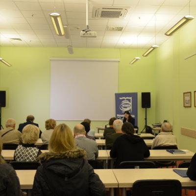 """Ostatnie w 2018 roku spotkanie z cyklu zostało poświęcone kształtowaniu się pojęcia """"Ziemi Lubuskiej"""" po drugiej wojnie światowej. Temat ten przybliżyła Małgorzata Dąbrowska."""