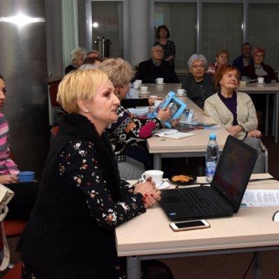 24 stycznia 2019 r. w ramach cyklu Biblioteka Aktywnego Seniora spotkaliśmy się z pilotem wycieczek – Małgorzatą Korbanek .
