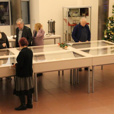 W dniu 30.01.2019 r., w holu biblioteki, odbył się wernisaż malarstwa, grafiki, witraży Iwony Mazur pt. Elementy architektury secesyjnej.