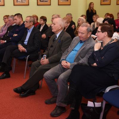 6 lutego 1989 roku rozpoczęły się obrady Okrągłego Stołu, które dały początek przemianom społeczno-politycznym w Polsce i w całym regionie Europy Środkowo-Wschodniej. Z tej okazji, dokładnie 30 lat później – 6 lutego 2019 r. – Wojewódzka i Miejska Biblioteka Publiczna im. Zbigniewa Herberta w Gorzowie Wielkopolskim zorganizowała konferencję poświęconą temu wydarzeniu.
