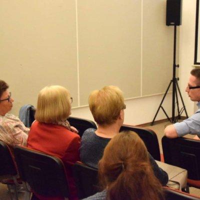 """17 kwietnia 2019 roku gościliśmy w Bibliotece Herberta Tomasza Ilnickiego, podróżnika, autora książki """"Azyl. Zapiski stalkera"""", pasjonata czarnobylskiej strefy wykluczenia."""