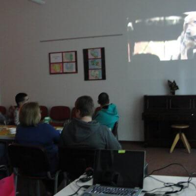 7 maja 2019 r., w Ośrodku Integracji i Aktywności odbyło spotkanie z członkami Dyskusyjnego Klubu Książki dla osób z niepełnosprawnością intelektualną. Klubowicze z Warsztatów Terapii Zajęciowej z Gorzowa Wielkopolskiego dyskutowali o audiobooku Był sobie pies, amerykańskiego autora W. Bruce'a Camerona.