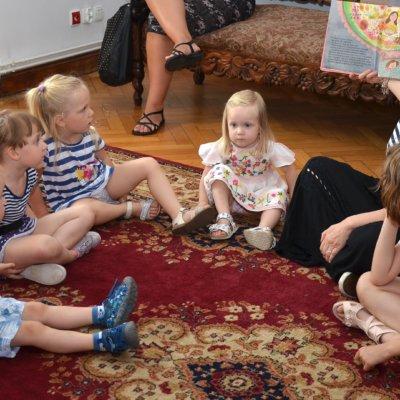 15.06.2019r. odbyło się rodzinne spotkanie z Basią, zabawną i mądrą bohaterką ulubionej przez dzieci serii książeczek autorstwa Zofii Staneckiej.