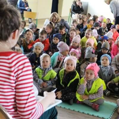 Warsztatami dedykowanymi dzieciom pt. Biblioteka marzeń rozpoczęliśmy XVI Ogólnopolski Tydzień Bibliotek w Gminnej Bibliotece Publicznej w Bogdańcu.
