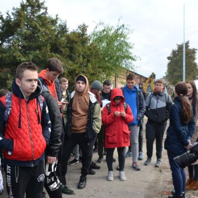 """W poniedziałek 7 października rozpoczęliśmy realizację projektu pt. """"Max Bahr - społecznik, obywatel, przedsiębiorca. Wokół wspólnego dziedzictwa pogranicza"""", dofinansowanego przez Euroregion """"Pro Europa Viadrina"""". Razem z przewodnikiem Zbigniewem Rudzińskim (PTTK Ziemia Gorzowska) podążaliśmy śladami Maxa Bahra pozostawionymi w obecnym Gorzowie Wielkopolskim, a dawnym Landsberg an der Warthe."""