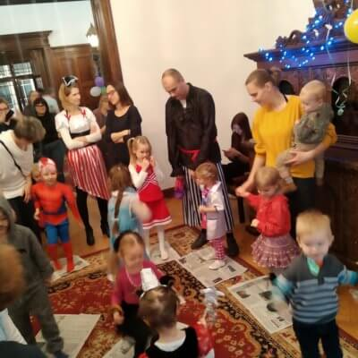 11 stycznia 2020 roku Willa Lehmanna wypełniła się gwarem i śmiechem licznie zgromadzonych dzieci i rodziców. Powodem tej radości był bal karnawałowy.