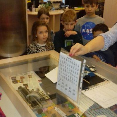 W dniu 28.02. br. książnicę gorzowską odwiedzili uczniowie II klasy Szkoły Podstawowej w Wawrowie.