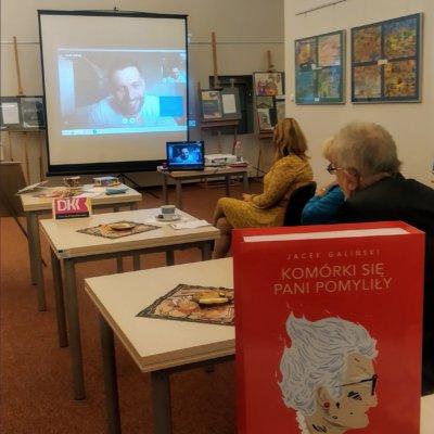 24 września 2020 r. w Ośrodku Integracji i Aktywności odbyło się spotkanie członków Dyskusyjnego Klubu Książki dla dorosłych, seniorów, słabowidzących i niewidomych.